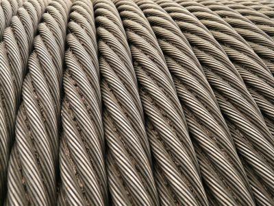 Entenda como organizar o cabo de aço e aproveitar melhor o espaço