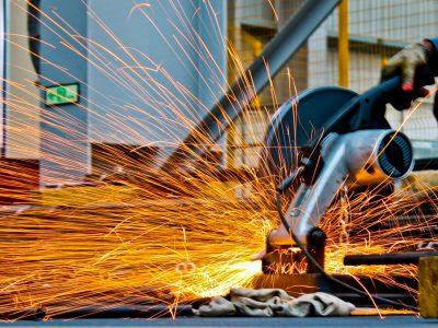Dicas de manutenção e limpeza para equipamentos industriais
