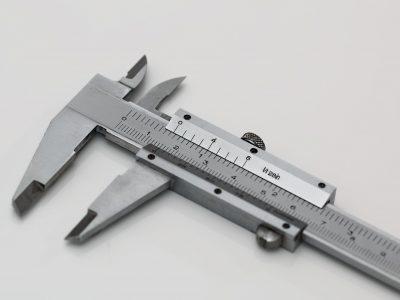 Modelo de instrumento para medição de pressão na indústria