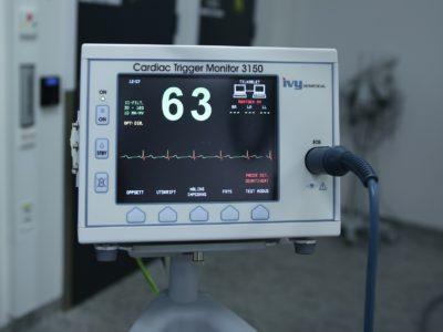 Acelerando procedimentos médicos com a tecnologia industrial