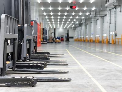 Meios de transporte de mercadoria no ramo industrial