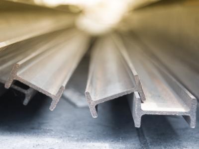 Descubra como funciona a indústria do aço