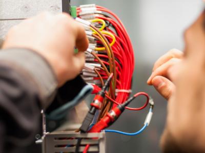 Dispositivos e sistemas elétricos que você precisa conhecer