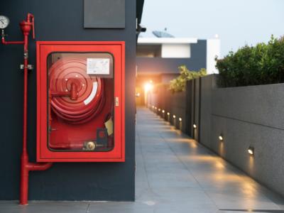 Sistemas de detecção e alarme de incêndio na indústria